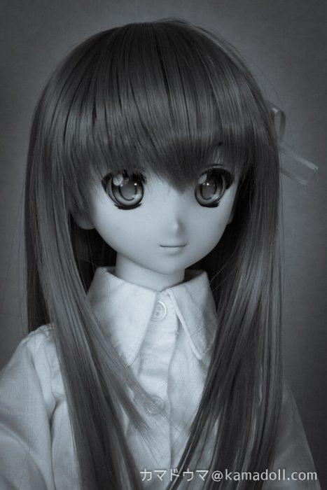 室内でのドルフィードリームDDH-06子のバストアップ写真を肖像写真風に加工したもの